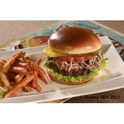 West & East gourmet burger