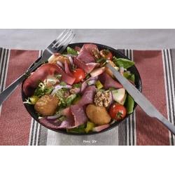 Salade de camembert pané et pastrami