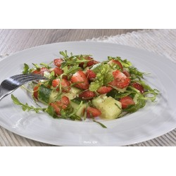 Salade de fraises concombre et vinaigrette érable