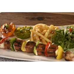 Brochettes Beyond Meat sausage