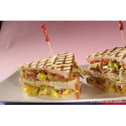 Club sandwich pastrami