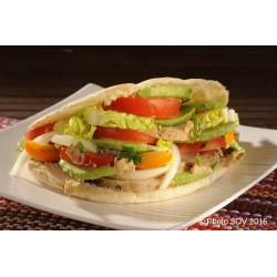 Pain pita chicken avocado
