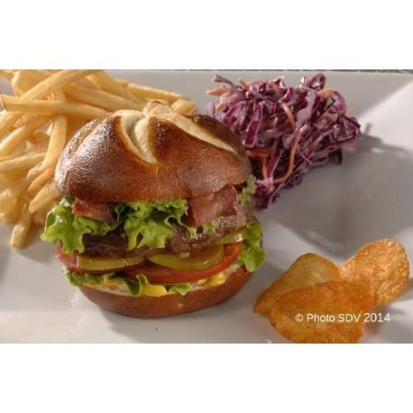Bacon bretzel burger